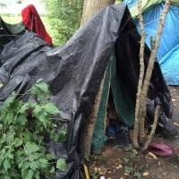 Steenvoorde un camp d'une centaine de personnes